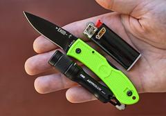 Ka-Bar Mini Dozier Folding Hunter (ma_ba) Tags: green day zombie knife mini every hunter knives pocket edc carry folding bic dozier kabar a01 n zapalniczka latarka astrolux
