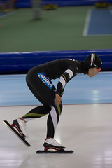 A37W0150 (rieshug 1) Tags: ladies sport skating worldcup groningen isu dames schaatsen speedskating kardinge 1000m eisschnelllauf juniorworldcup knsb sportcentrumkardinge worldcupjunioren kardingeicestadium sportstadiumkardinge