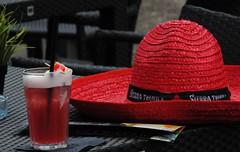 Schnen Abend (   flickrsprotte  ) Tags: rot cocktail hut sexonthebeach lecker kielerfrde kielerwoche yammy essentrinken fressmeile flickrsprotte