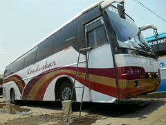 Low Angle Shot Of Konduskar Volvo B7R Bus (Gaurav Shinde) Tags: bus volvo shot angle low multi 9400 axle mark1 b7r of b9r konduskar flickrandroidapp:filter=none