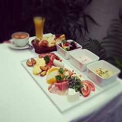 brunch at La Cigale Montmartre in Itaewon (hellaOAKLAND) Tags: