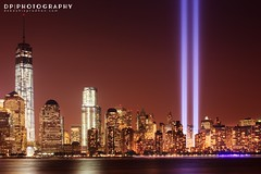 Tribute in Light 2013 (DP|Photography) Tags: manhattan 911 hudsonriver september11 lowermanhattan tributeinlight nycskyline 911memorial downtownmanhattan downtownny freedomtower 911anniversary nydowntown 911tributelights