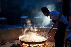 Paella Valenciana (stijn) Tags: food rabbit chicken valencia beans spain rice paella artichoke paellavalenciana watatenzijnl chefpablo alqueriadeboro