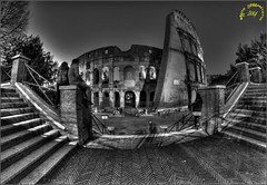 Colosseo b/n (bruto68) Tags: street city sky bw rome roma scale donna nikon strada nuvole metro musei fisheye uomo r cielo luci d200 8mm notte architettura bianconero hdr citta fisheyes colosseo nokin storia archeologia visione scavi nikond200 samyang romarome 300s romaantica romansky romabw nikond300 d300s bruto68 nikond300s samyang8mm nikon300s bruto68romarome fischeys