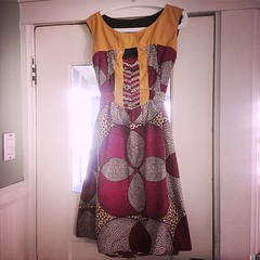 "dress <a style=""margin-left:10px; font-size:0.8em;"" href=""http://www.flickr.com/photos/24597018@N04/11716371786/"" target=""_blank"">@flickr</a>"