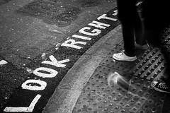 Look Right (Francesco Ferruzzi) Tags: strada londra lookright marciapiede strisce incrocio pedoni striscepedonali attraversare attraversamento