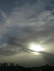 rayonnement (doubichlou) Tags: sky cloud france poetry glory ile lovers ciel val suburb nuage banlieue marne