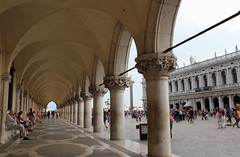 Piazza San Marco and Palazzo Ducale. Venice. Venezia. (elsa11) Tags: venice italy italia piazza venezia sanmarco palazzoducale dogespalace piazzasanmarco itali veneti dogenpaleis