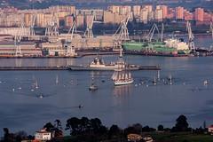 IMG_7148 Elcano saliendo de Ferrol (Juancarlosxl) Tags: sea barcos ships canon350d vela ferrol velero elcano juansebastinelcano radeferrol