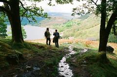 Highlands (strzez wartosci) Tags: houses mountain lake film analog forest scotland moss spring highlands minolta hiking rangefinder trail walkers lochlomond westhighlandway ektar