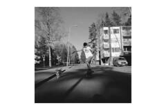 125/366 eric & manu (Niko Saarinen) Tags: summer blackandwhite bw dog sun hot monochrome sunshine suomi finland square warm longboard fujifilm kouvola longboarding xe2 visitfinland fujinon18mm fujixmonochrome visitkouvola fujifilmxmonochrome