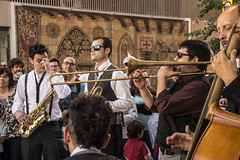 Mardi Gras en Alicante #1 (palm z) Tags: espaa banda spain alicante grupo gras msica mardi saxo batera trompeta baterista trompetas saxofonista violonchelo violonchelista