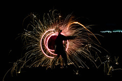 _DSC2002-2 (chloe.safsaf) Tags: lightpainting night bolas feu artifice firearts firepainting artdufeu costerroller