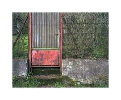 gateway (ha*voc) Tags: urban texture film mediumformat urbandecay rangefinder abstraction 6x7 cochem 220 urbanfragments 65mm fujinps160 mamiya7ii
