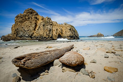 Keyhole Arch w/driftwood (Ernest88) Tags: ocean beach water big bigsur sur pfeiffer pfeifferbeach xf14mm fujixt10