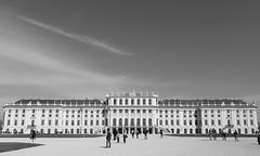 Schloss Schnbrunn (chayawita) Tags: schnbrunn wien bw blancoynegro canon landscape austria sterreich arquitectura bn architektur viena schloss palacio 6d monocromatico canonistas