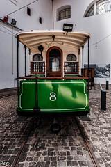 El 8 (Perurena) Tags: portugal metal museum train tren museo electricidad oporto adoquines electrico tranvia railes hierro vias empedrado