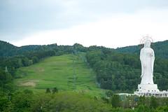 (benson-ho) Tags: green field landscape spring highway hokkaido outdoor hill goddess grassland lifts