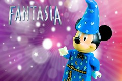 Mickey Mouse Fantasia (Lesgo LEGO Foto!) Tags: cute love fun toy toys lego wizard magic disney fantasia mickeymouse minifig collectible minifigs omg collectable magician minifigure minifigures legophotography legography collectibleminifigures collectableminifigure coolminifig
