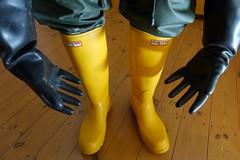 Well Protected! (essex_mud_explorer) Tags: yellow boots rubber gloves wellington hunter wellingtonboots rubbergloves welly wellies rubberboots rainwear gummistiefel wellingtons waterproof gumboots rainboots gauntlets rubberlaarzen hunterboots me107 marigoldemperor