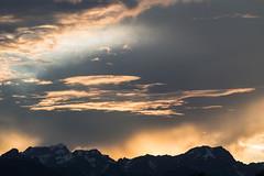Petit nuage (loicfracheboud) Tags: soleil nuage crepuscule couche