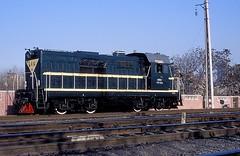 DFH5-0053  Peking  28.12.88 (w. + h. brutzer) Tags: china analog train nikon eisenbahn railway zug trains locomotive peking lokomotive diesellok eisenbahnen dfh5 dieselloks webru
