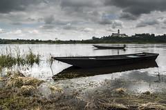 Plates de Loire (Bertrand Thifaine) Tags: plate nuages bateau loire printemps barque fleuve abbaye saintflorentlevieil