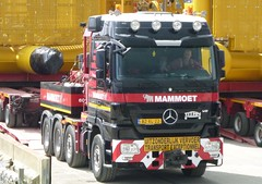 Mammoet (A9 AWM) Tags: mammoet heavyhaulage wick harbour mercedes titan subsea7 towhead
