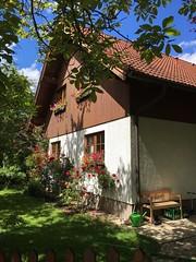 Nice day! (heinzstrobel1) Tags: house garden cool quiet romantic garten sunnyday idylle stille refresh erholung ruhe romantisch sonnigertag
