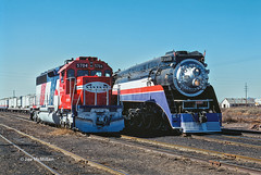 Bicentennials at Deming (joemcmillan118) Tags: newmexico deming freedomtrain sd4525704 bicentennials sp4449 steam