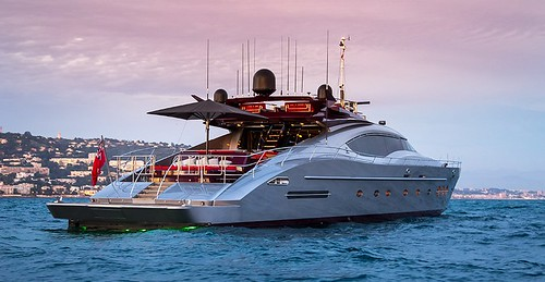 Суперхъята Vitamin от Palmer Johnson Yachts
