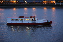 Princess Rose (kenjonbro) Tags: red white ferry greenwich sailors passenger riverthames hmsillustrious se10 princessrose canoneos5dmkiii canonef70200mm128l1siiusm