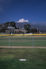 02_Prov_15 (dodon34) Tags: california usa cloud mountain color film field yellow 35mm canon fence eos losangeles fuji slide positive westcoast provia 1v fujiprovia provia100 fujiprovia100 canoneos1v