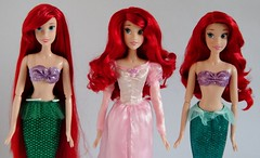 Singing Ariels 2011-2013 - Disney Store - Side By Side Comparison - Midrange Front View (drj1828) Tags: ariel set us doll singing comparison sidebyside disneystore 2012 thelittlemermaid 2011 16inch 2013 deboxed
