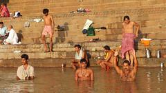 Ritual bath (Daniel Brennwald) Tags: india river varanasi hinduism ganges ghats ghat uttarpradesh ritualbath