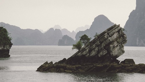 Ha Long Bay - Slant Rock Replichrome