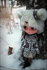No doll in the world hates so much the winter and the snow as Piper... LOL