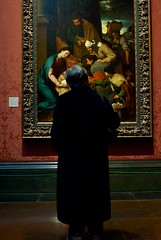 Visit the National Gallery (Massimo Usai) Tags: greatbritain travel england people london art tourism painting nikon europe capital watching visit nationalgallery 2014 londonist