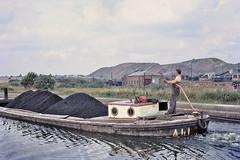 Leeds Liverpool Canal alongside Bickershaw Colliery, Leigh circa 1971 (Pitheadgear) Tags: canal mine pit lancashire mining coal leigh barge waterway colliery wigan leedsliverpoolcanal ncb charbon puits slagheap bergmann kohlen coaltips nationalcoalboard bickershaw houiller bickershawcolliery wiganborough