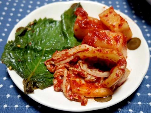 白菜とゴマの葉のキムチ、カクテキ