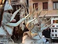 farbojo Venise carnaval 1999 capture sur film super 8 (farbojo Photography) Tags: lagune canal costume aqua tour place 1999 chapeaux carnaval palais horloge murano venise escalier dentelle italie rialto burano ponts barque masque verre plume aquaalta gondole puits canaux soupir