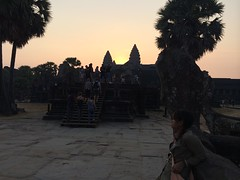 2015-04-05 06.37.30 (tananop_m) Tags: sky architecture sunrise cambodia angkorwat siemreap herritage