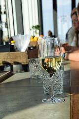 Skybar, Malm Live (Maria Eklind) Tags: bar se hotel glasses dof wine sweden depthoffield sverige malm consert hotell skybar congresscenter clarionhotel skneln malmlive clarionmalmlive