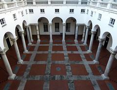 conchiglia prospettica (fotomie2009) Tags: italy architecture italia liguria arches patio genova palazzo architettura ducale archi porches porticato