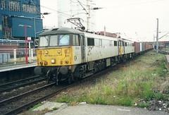 Frightliner Class 86/6s' 86610 & 86638 - Warrington Bank Quay (dwb transport photos) Tags: warrington locomotive warringtonbankquay freightline 86610 86638