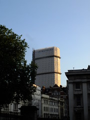 Under Wrap (failing_angel) Tags: london bloomsbury centrepoint georgemarsh rseifertandpartners 310715