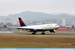 Delta Airlines - N860NW (Aviacaobrasil) Tags: deltaairlines airbusa330200 sopaulogruairport alexandrebarros