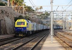 Me persigue (Trenesmania) Tags: trenes railway trains 333 prima tarragona contenedores conti teco ferrocarril maersk plataformas intermodal azuqueca mercancas continentalrail 333380 barcelonacantunis