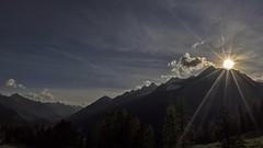 Rest on a Peak (bandit4czm) Tags: sonnenstrahlen sonnenuntergang sonnenschein sonnenstern sunburst sunset rayofsun berg hornbachkette lechtal lechweg ausserfern tirol