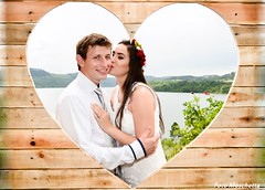 Kiss (Mh :)) Tags: kiss beijo moldura frame heart corao pallets lago lake it casamento